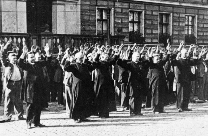 Polscy księza ofiary foto 2