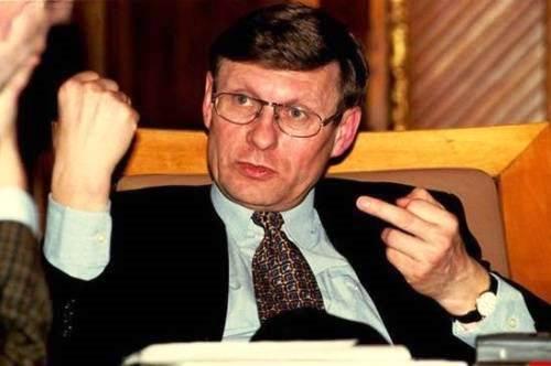 Leszek Balcerowicz Altmeister des zügellosen Wirtschaftsliberalismus, ohne jegliche soziale Verpflichtungen, selbstsüchtig nacheifern.
