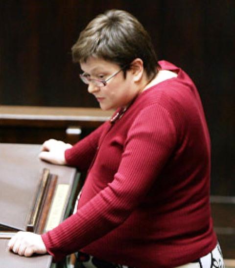 Sejm-Debatte am 7. November 2008. Für die schwangere stellv. Arbeitsministerin Agnieszka Chłoń-Domińczak hat Andrzej Duda einen Stuhl erbeten.