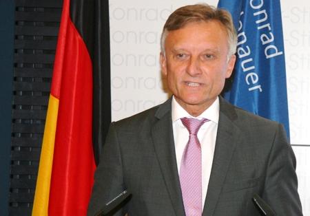 Marek Prawda, bis 2012 ppolnischer Botschafter in Berlin. Vollzug gemeldet: Polen kein Problem mehr für die deutsche Politik.