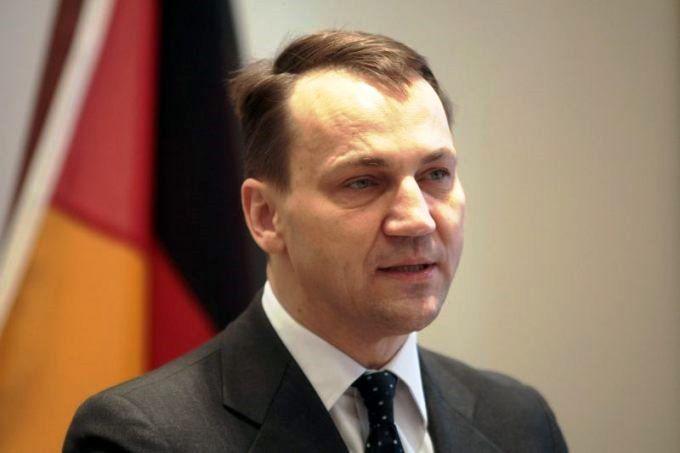 Tusks Auβenminister Sikorski. Führe, Deutschland! Polen wird sich selbst abwickeln.
