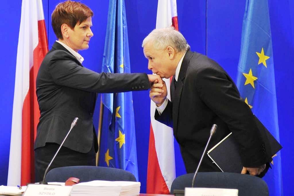 """Szydło und Jaosław Kaczyński. """"Ich wüsste nicht, was unsere hervorragenden und sehr vertrauensvollen Beziehungen ernsthaft trüben könnte."""""""