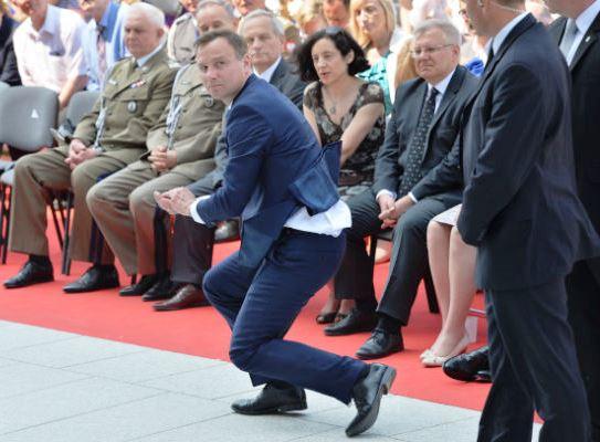 Warschau am 8. Juni 2015. Hostie erfolgreich eingefangen.