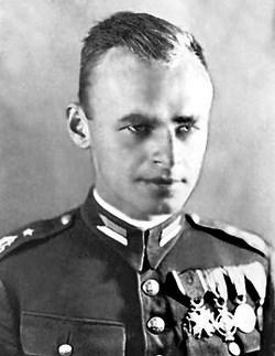 Ekshumacje Pilecki oficer