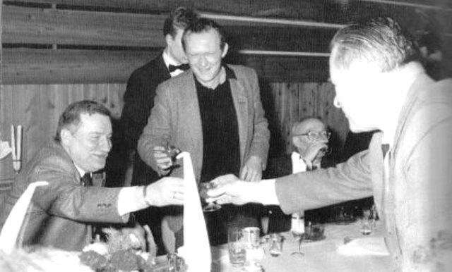 Kiszczak, Michnik, Wałesa toast