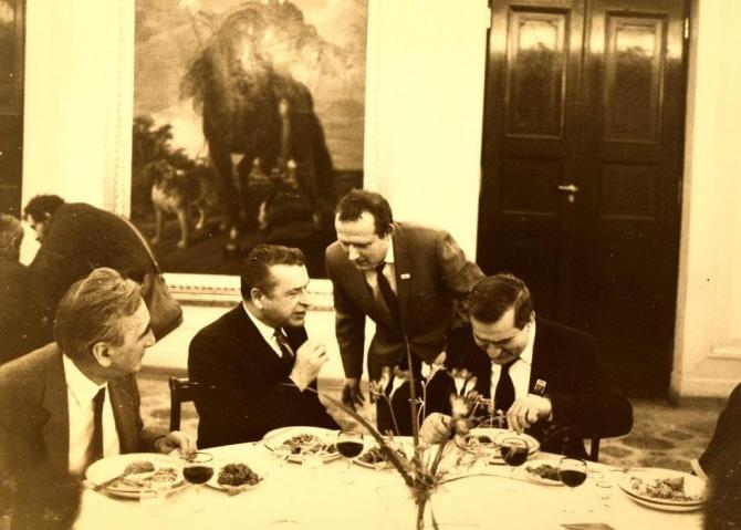 Kiszczak Michnik obiad