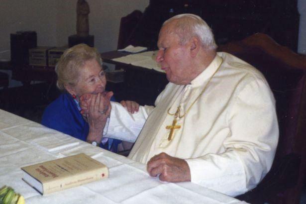 Kobiety papieża. Tymieniecka chory papież fot