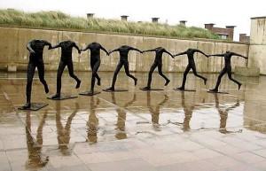 Abakanowicz Tańczące figury fot.