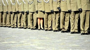 Armia z kobietą fot.